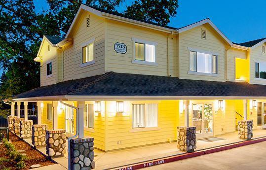 Calistoga Family Apartments