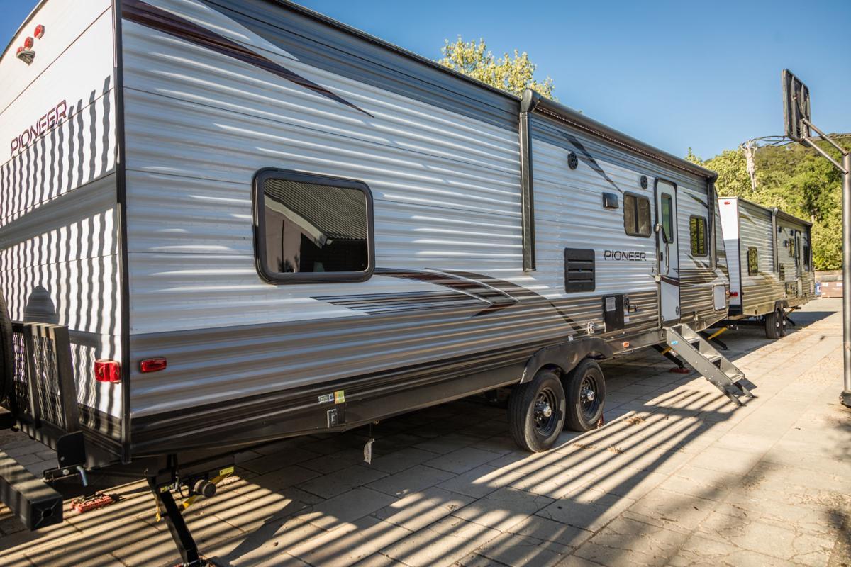 farm center isolation trailer
