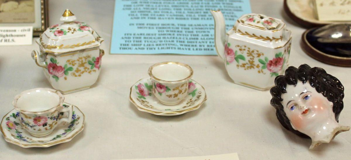 Toy tea set belonging to Robert Louis Stevenson