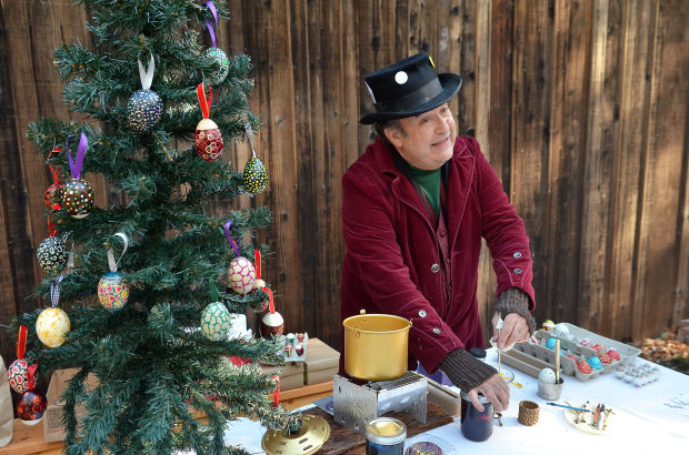 Upvalley park visitors enjoy a pioneer-style Christmas | Local ...