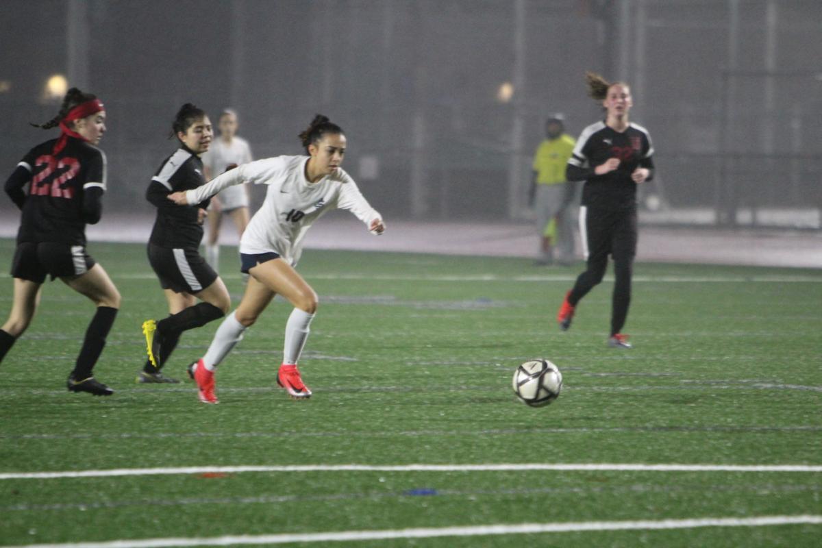 Justin-Siena girls soccer