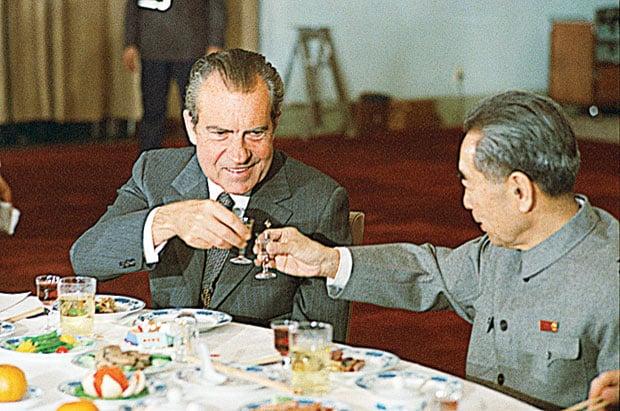 Nixon toasts Zhou