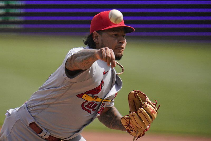 Cards complete sweep of Bucs