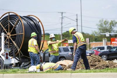 Work resumes on roundabout