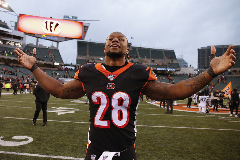 Ravens edge 49ers on Tucker's field goal; Bengals get first win