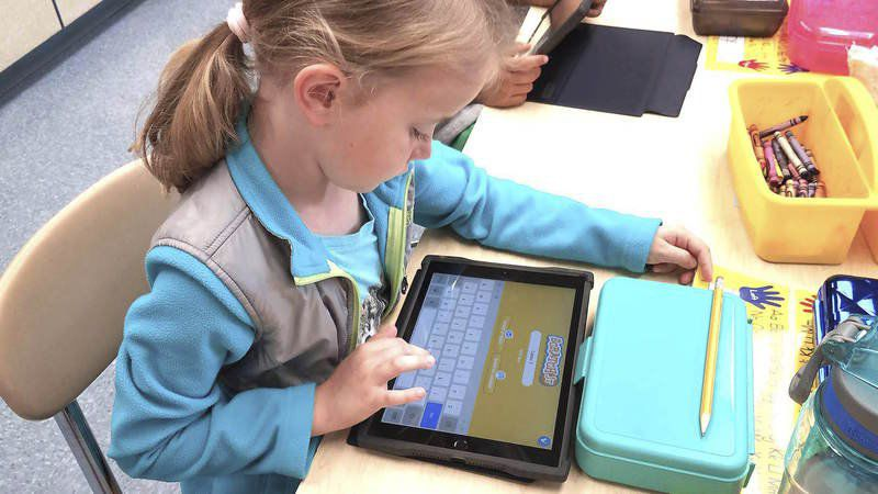 Wilmington students learning to write code