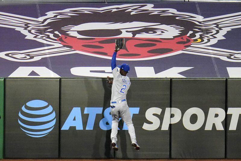 Soler's three hits, three RBIs lead Royals over Pirates 9-6