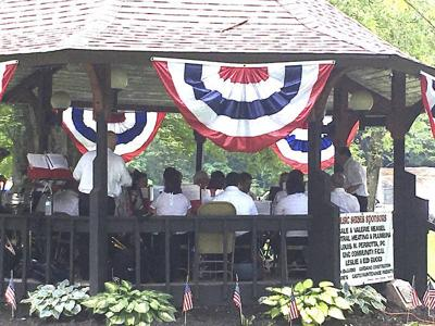 Rain threatens but large crowds at Independence Day event