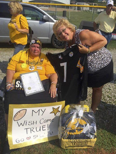 Haven resident gets wish to see Steelers at training camp