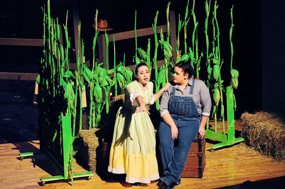 Oklahoma Cast Feels Family Bond On Stage Lifestyles Ncnewsonline Com