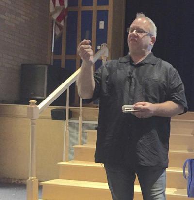 Speaker steers students away from drugs