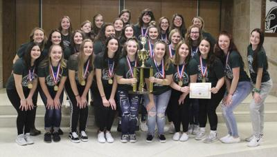 Cheerleaders from Laurel honored at meeting