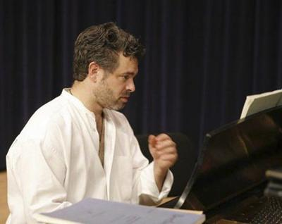 New Castle native to perform at Hoyt