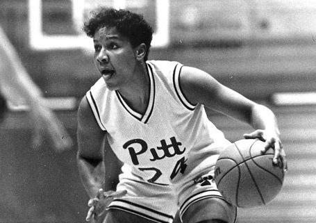 Pitt to retire Johnson's number