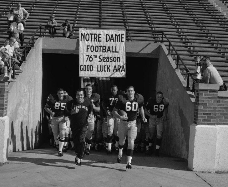 c08cfefc0 Former Notre Dame coach Ara Parseghian dies at 94