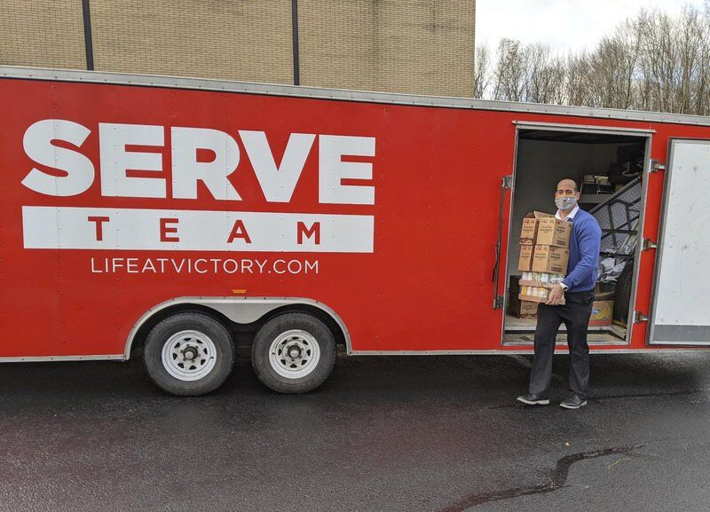 Vo-tech gives dinners to student families