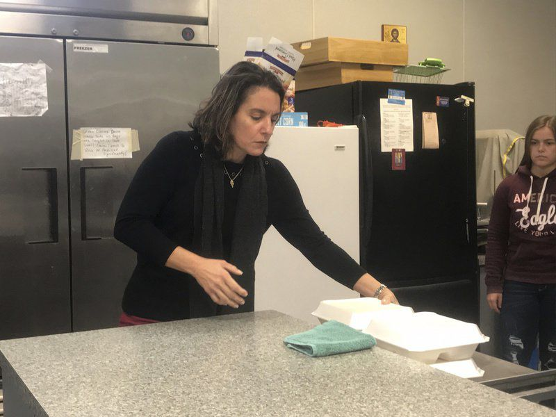 Serving Thanksgiving Local churches give meal to those in need