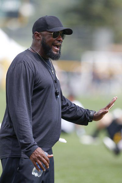 Steelers Mourning Darryl Drake S Death As Training Camp Ends