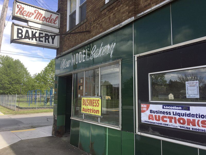 Bakery auction stirs up memories