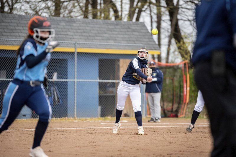 Koi leads Wilmington softball team to victory