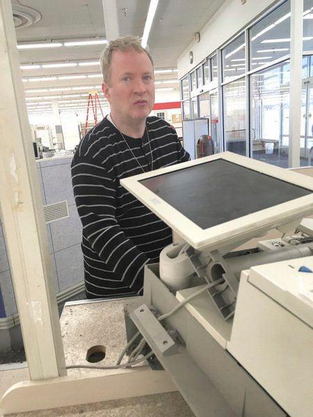 End of an era Longtime workers bid Kmart a sad farewell