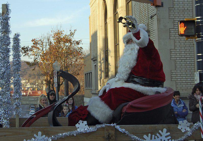Ellwood City Christmas Parade 2021 Parades In Wampum Ellwood Usher In The Season News Ncnewsonline Com