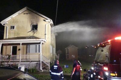 City firemen respond to South Side blaze