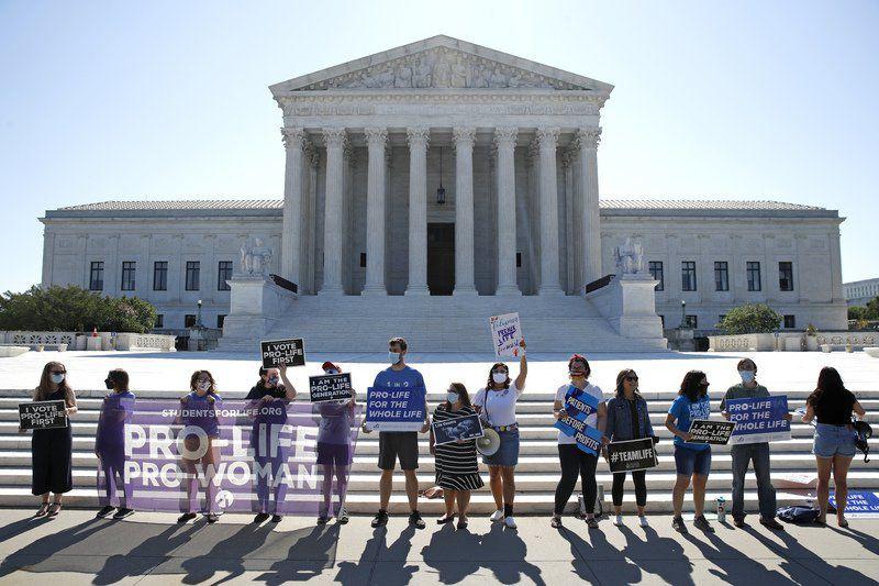 Supreme Court strikes down Louisiana abortion clinic law