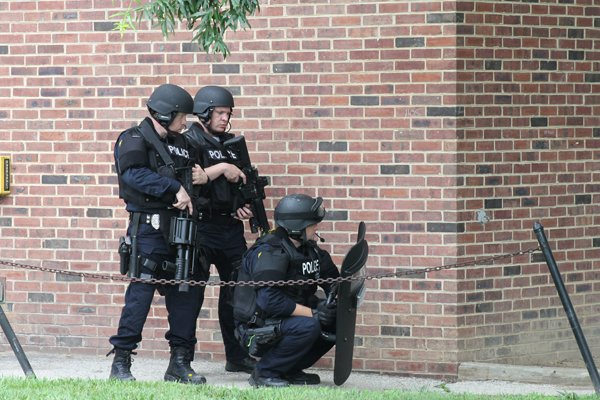 Police use empty dorm for SWAT training exercise | News