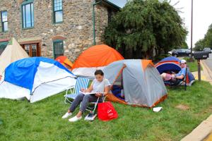 UD students camp out for Lang apartments