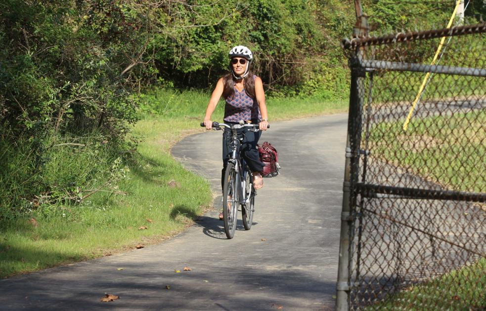 'The connection makes all the difference': New path links Fairfield Crest to Pomeroy Trail