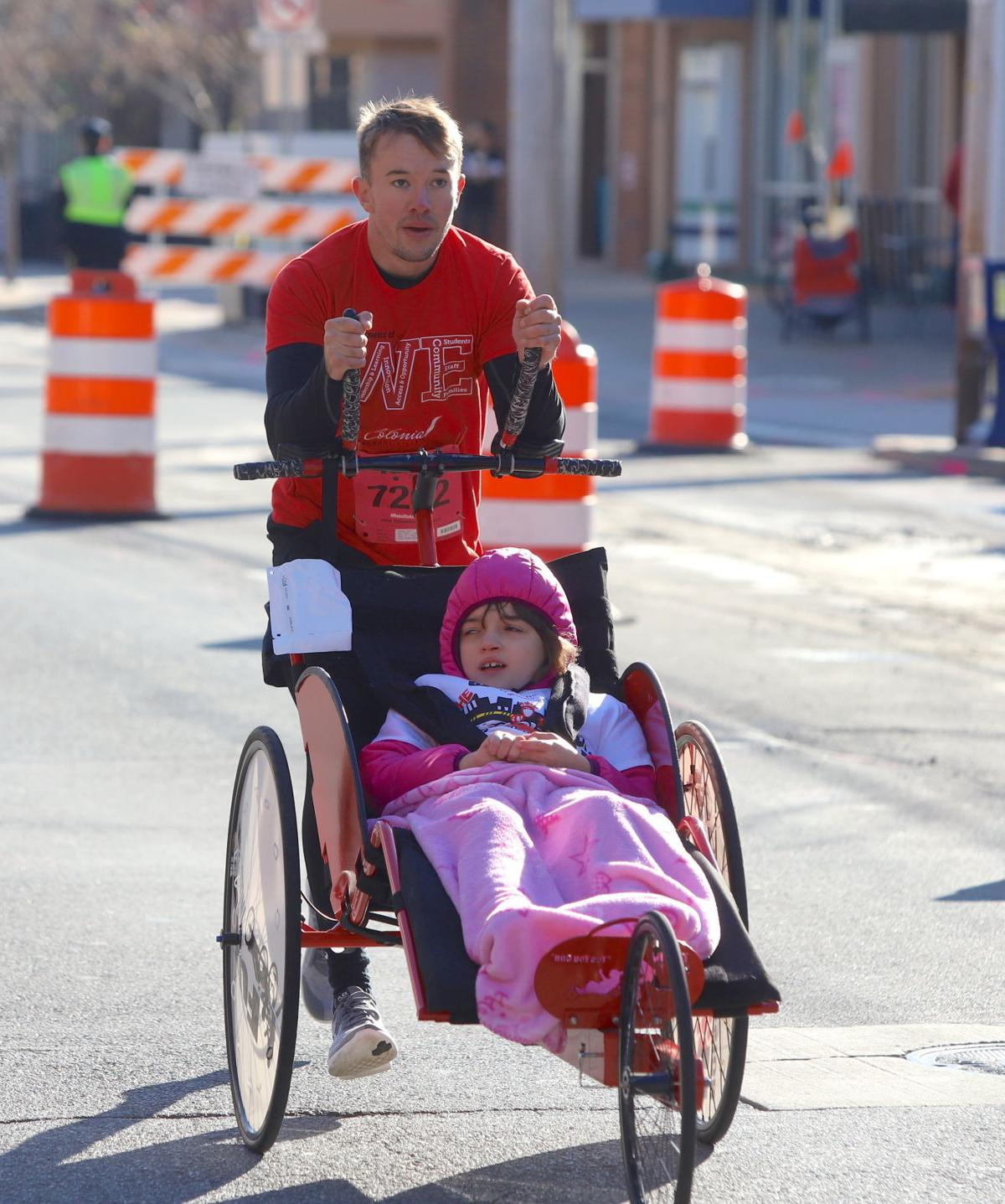 More Than 700 Run In Annual Main Street Mile