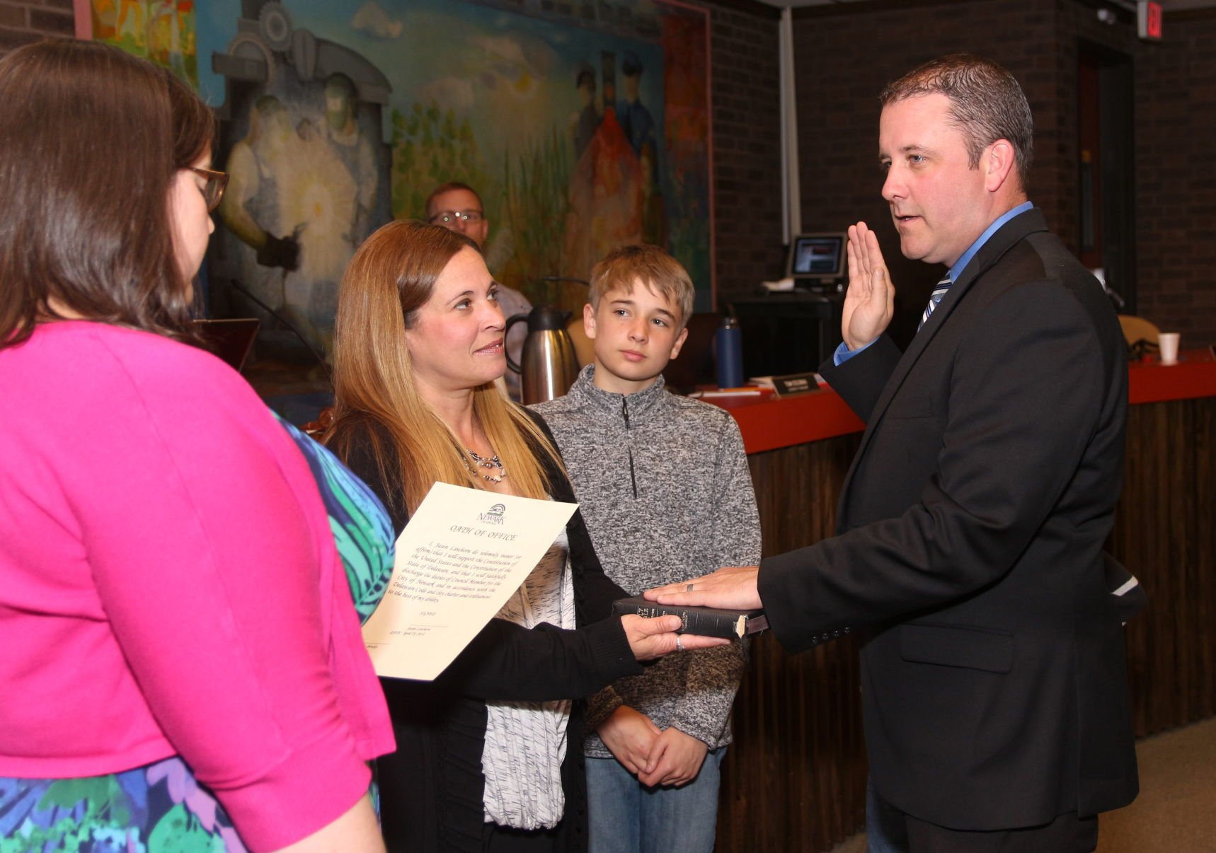 Newark council members sworn in | Newark Post