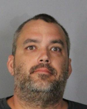 Police: Man used 10-year-old son to help shoplift from Acme