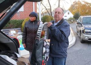Food drives provide a helping hand at Thanksgiving