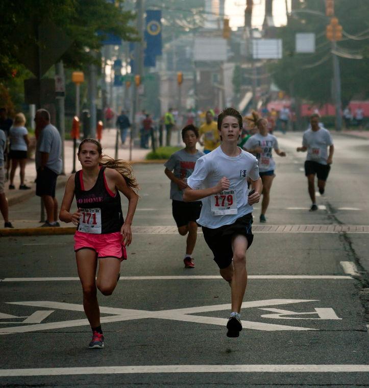 Photo Gallery: Main Street Mile