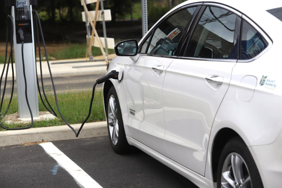 Newark to install electric vehicle charging stations