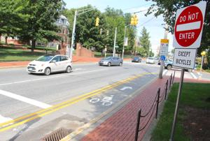 Contraflow lane gives cyclists alternative route on Main Street