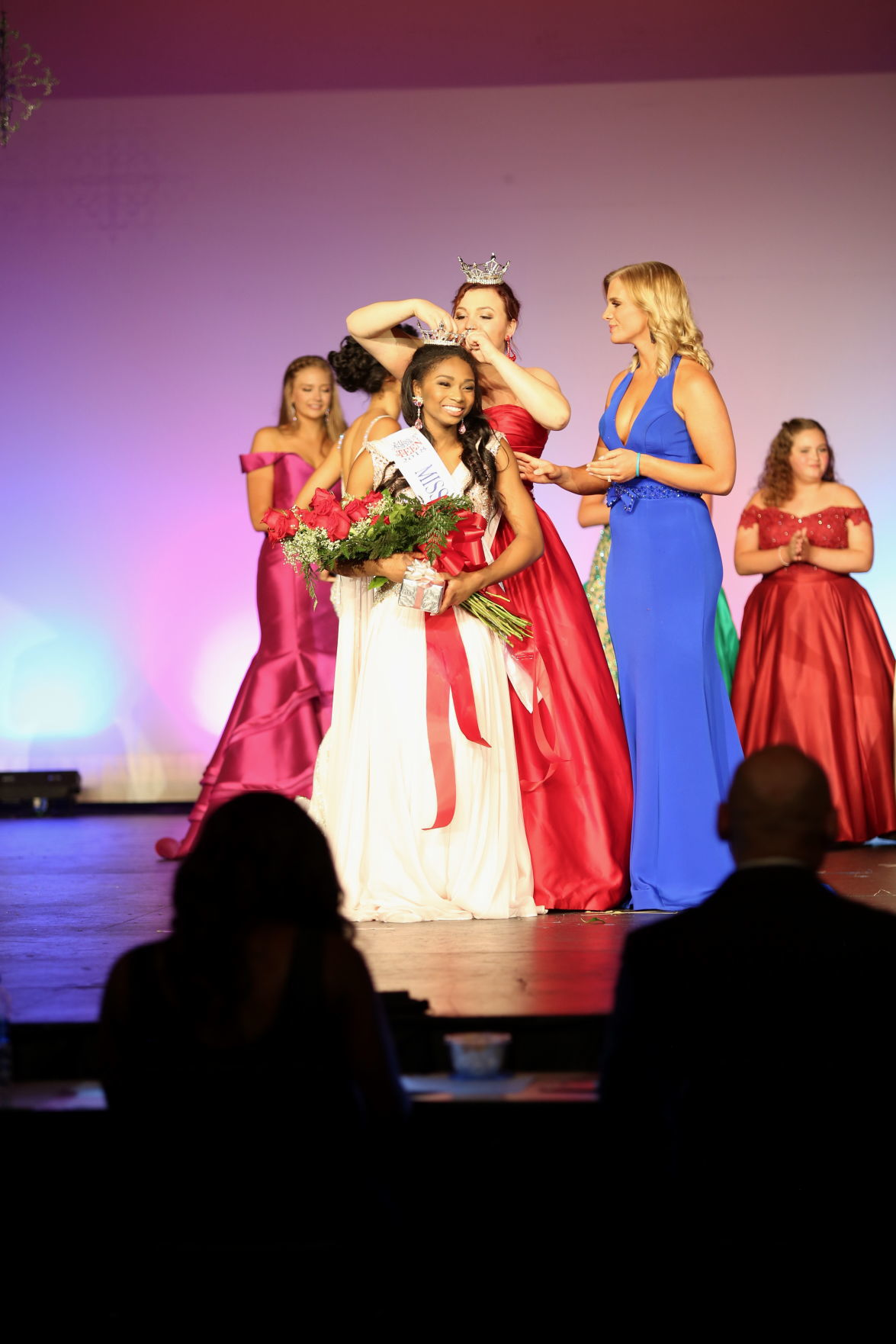 Knox Teen Wins Seventeen Magazine Get Discovered Contest: Miss Newark's Outstanding Teen Wins Statewide Pageant