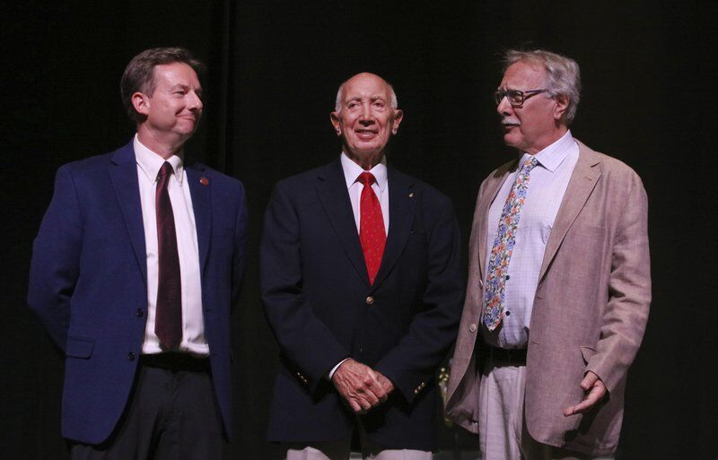 Newburyport mayoral candidates face off for first time