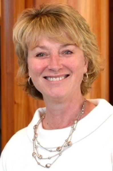 Newburyport Bank hires two vice presidents