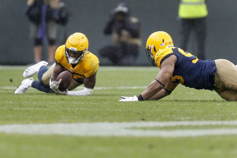 Eagles too banged-up to fly past Packers