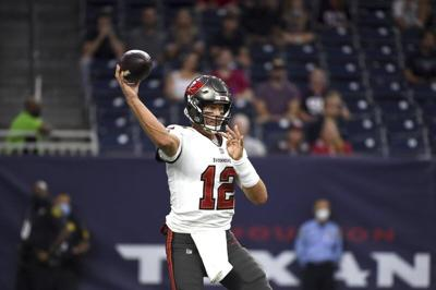 Brady, talented Buccaneers poised to defend Super Bowl title