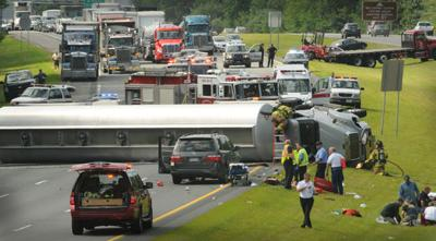 Highway crash creates chaos | Local News | newburyportnews com