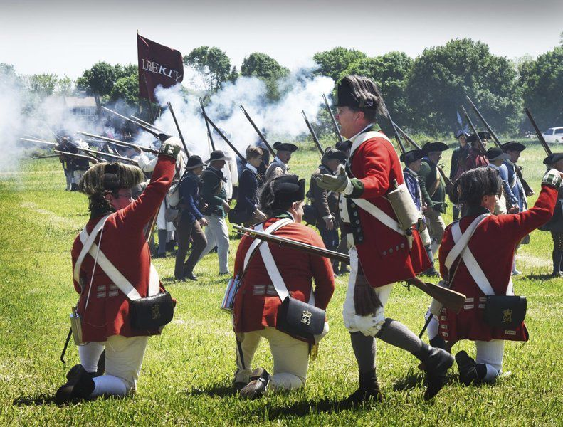 Redcoats, Minutemen battle it out at Newbury farm | Local