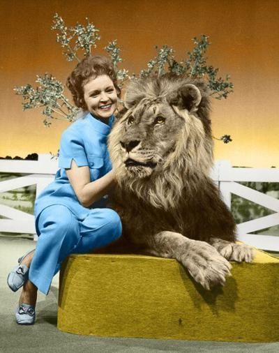 Betty White, furry friends star in 50-year-old 'Pet Set'