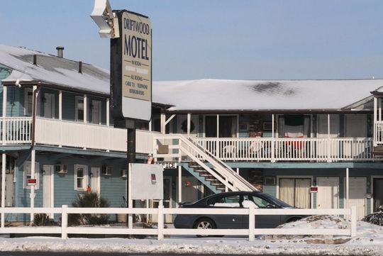 Driftwood Motel At Salisbury Beach
