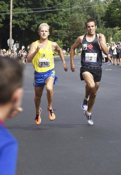 Photo finish! Crimmins barely edges Thomson in thrilling High Street Mile showdown