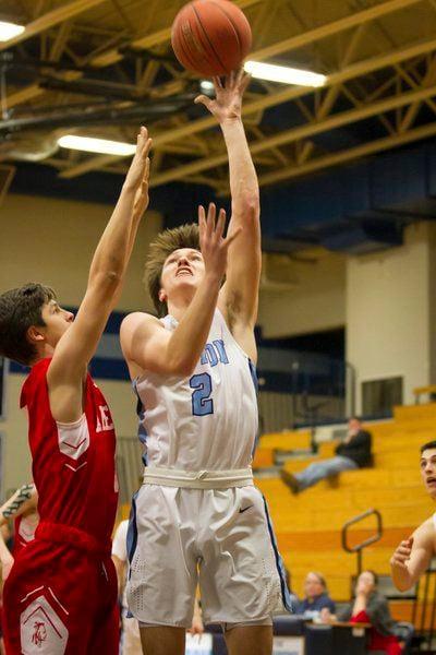 Triton boys basketball snaps Amesbury's six-game win streak in impressive team victory