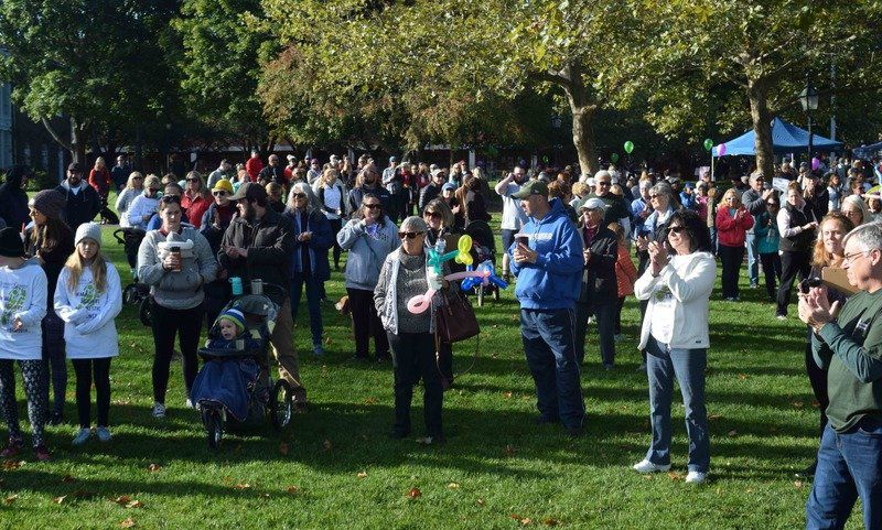 Hundreds make the trek in Newburyport to end domestic violence